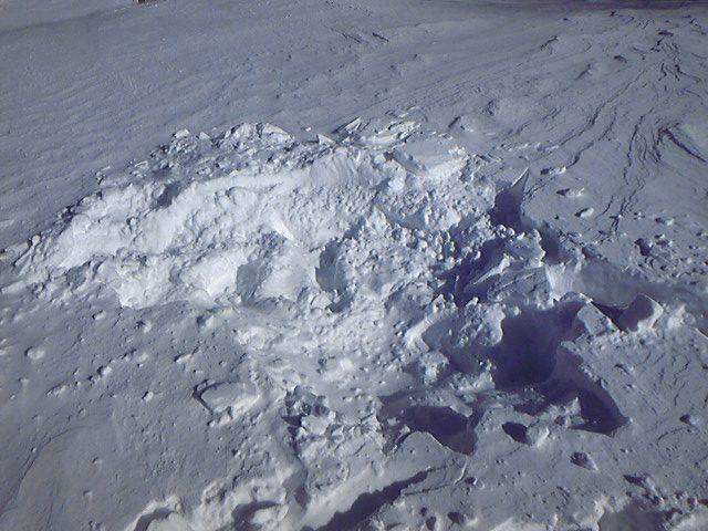 スキー場にできたクーレター